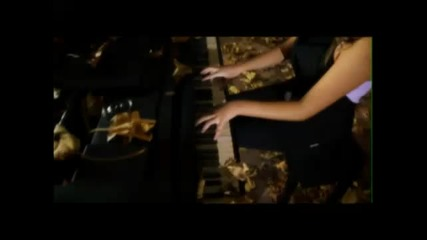 """Hq!!! Богдана Петрова и Майк от Tri O Five - """"всеки от нас"""" – Видео дебют!"""