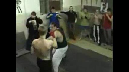 Битка Силов Атлет Vs Уличен Боец