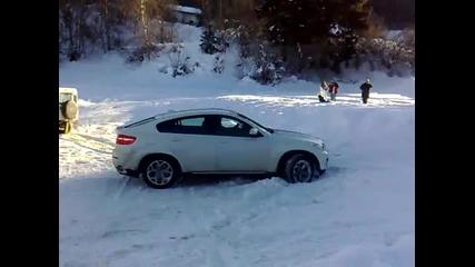 Издърпване на Bmw X6 от сняг