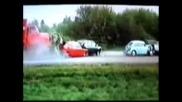 Камион смачква пет коли