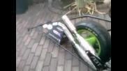 Двуцилиндров скутер за състезания