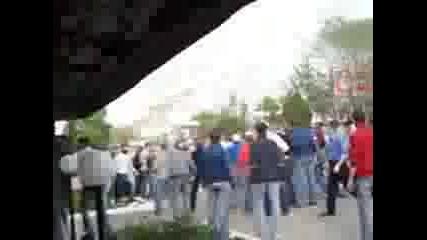 Руски Фенове Се Бият
