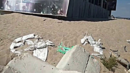 """""""Моята новина"""": Рушаща се грозотия на плажа"""