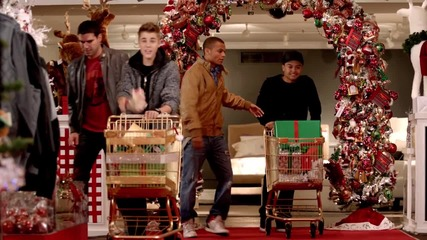 Justin Bieber ft Mariah Carey All I Want For Christmas Is You (superfestive!)