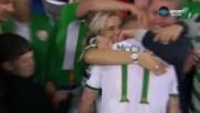 Докосващ момент след победен гол