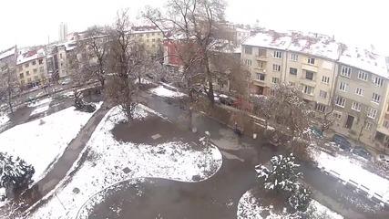 Квадракоптер и гълъби