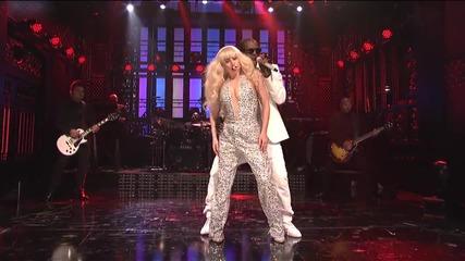 Lady Gaga - Do What U Want ( Live on Saturday Night Live ) ft. R. Kelly
