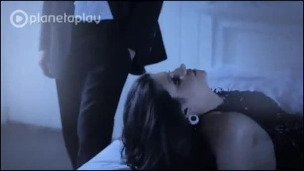Сиана - Още ме държи (официално видео)
