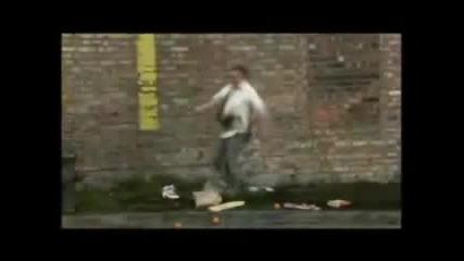 Атаката На Плюшеното Куче - Смях!