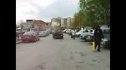 В България Караме И С 3 Гуми