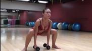 Жени тренират във фитнеса за здраво и красиво тяло !