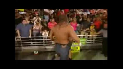 Wwe - Triple H Се Завърна и Преби Randy Orton (raw 08.06.09)