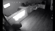 Разбиват Офис На Т.к.в. Еад Никой Не Идва(сот-варна, Полиция)