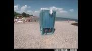 Голи И Смешни - Кабинката На Плажа