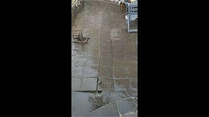 МОЯТА НОВИНА: Наводнен двор 2