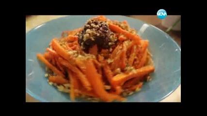 Картофено домино, салата от моркови с маслинова паста, печени пилешки бутчета, мариновани в мътеница