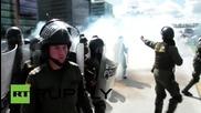 Сблъсъци между протестиращи учители и полицаи в Колумбия