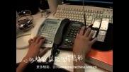 Лудак Прави Много Яка Музика С Телефони