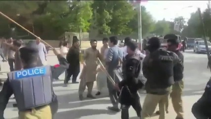 Pakistan: 15 injured as police open fire at doctor's demonstration in Quetta