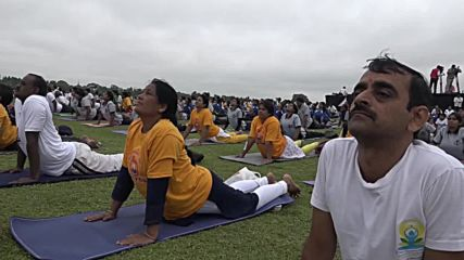 India: 65,000 yogis set new Guinness World Record on Int'l Yoga Day