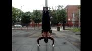 удивително - hand stand push ups +пляскане!