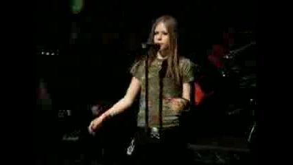 [ Превод ] Avril Lavigne - Losing Grip