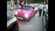 Абитуриент от Тета на Омв - то в Пловдив с розов фиат 126