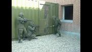 Фал на военни в действие