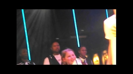 Justin Bieber изпълнява One Less Lonely Girl на London Secret Show