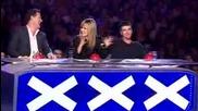 Откачен индиец дърпа с ухо кола - Britains Got Talent 2009