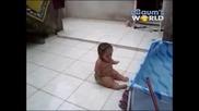 Извънземно Бебе Прави Странни Движения !