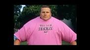 Гинес Рекорди - Мъж Облича 155 Тениски за 4 часа
