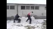 Много Красив Снежен Човек !!!