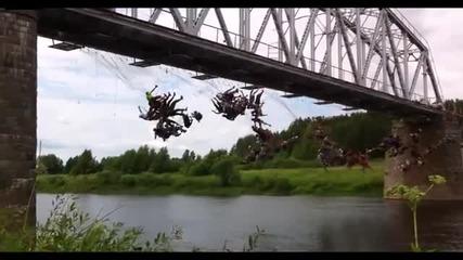 135 човека скачат едновремено с бънджи в Русия