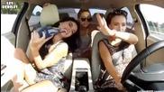 Секси рускини подивяват в колата