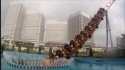 Влакче се гмурка с туристи под водата