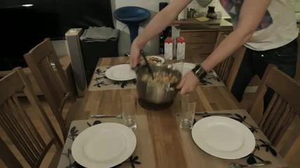 Regular Ordinary Swedish Meal Time - Chop Chop Carnage Stew ( Alternative Pyttipanna )