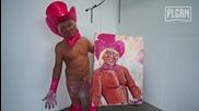 Мъж рисува с пенис