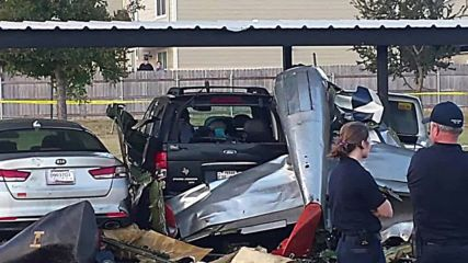 USA: Two killed after WW2 fighter plane crashes near Texas apartments *STILLS*