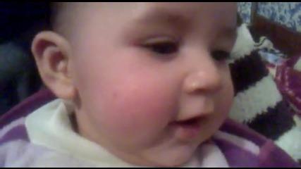 guluyo bebek izleyin cok tatli bebek