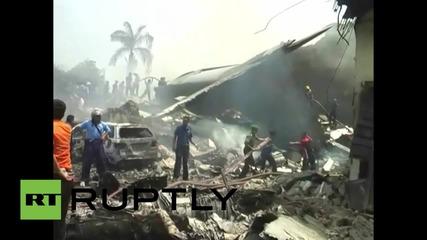 Индонезия: Ранените от падналия военен самолет в Мадан са транспортирани по най-бърз начин в болница