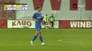 Радослав Узунов стана най-младият играч в елита