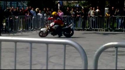 Fair Moto Show 2011 Rafal Pasierbek Целувката на моториста 2