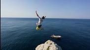Страхотни скокове от скали в Италия