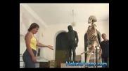 Развълнувам скелет .. хаха :d