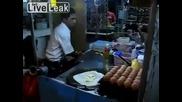На този готвач ,не може да му видиш ръцете!