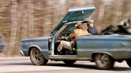 Да ти ХВРЪКНЕ капака на колата - Смях