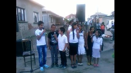 decka grupa ,,nebesen Izvor'' gr ixtiman na uli4ni evangelizacii.