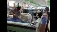 Китаец обвзет от работата си Скоростно гладене на Дрехи