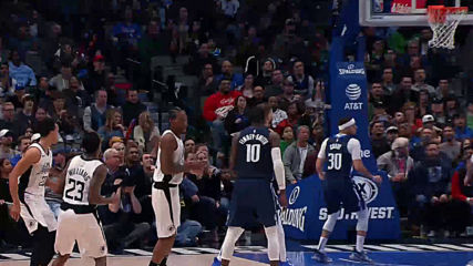 ЛА Клипърс излъга Далас за успех в НБА